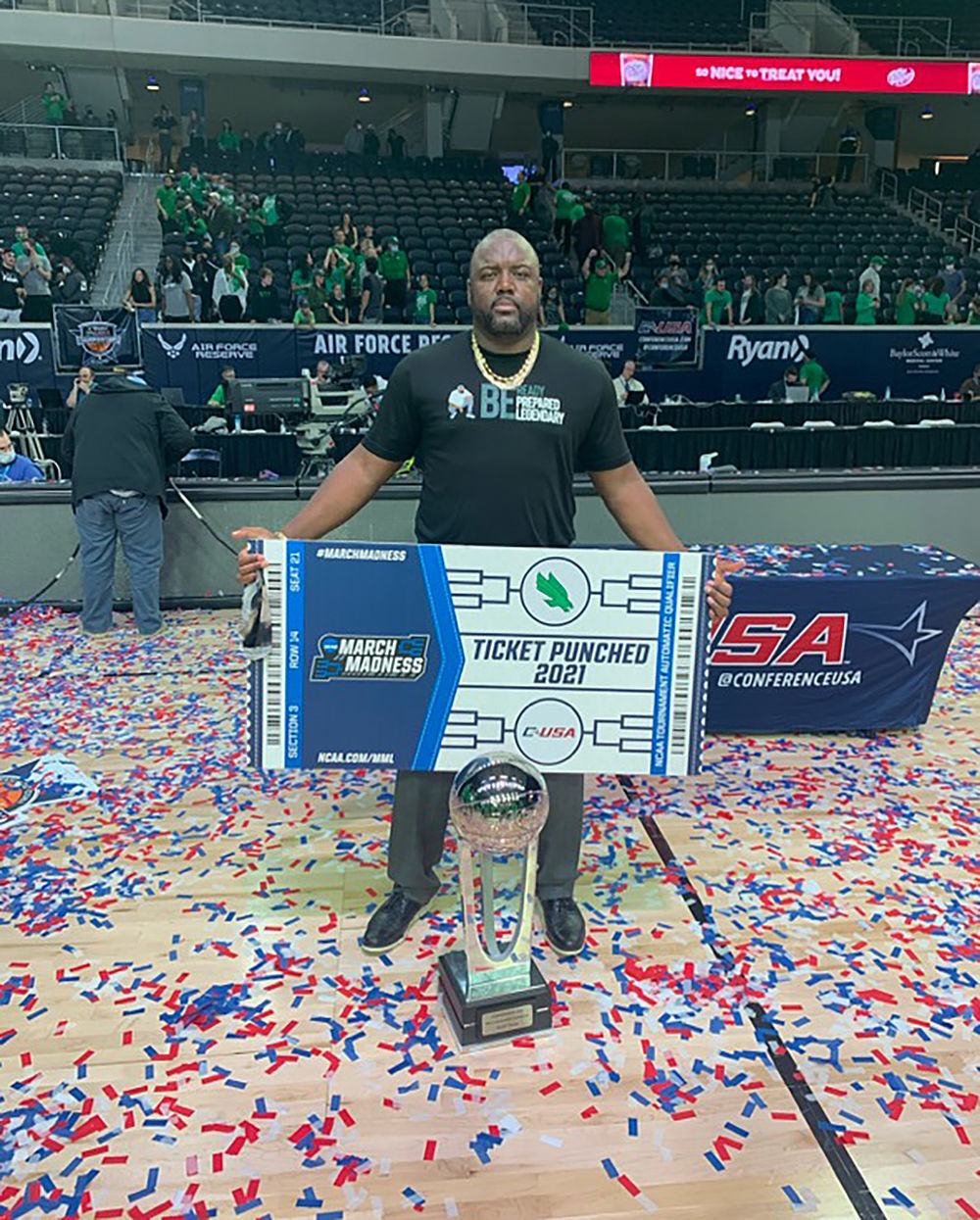 Jareem Dowling and the trophy