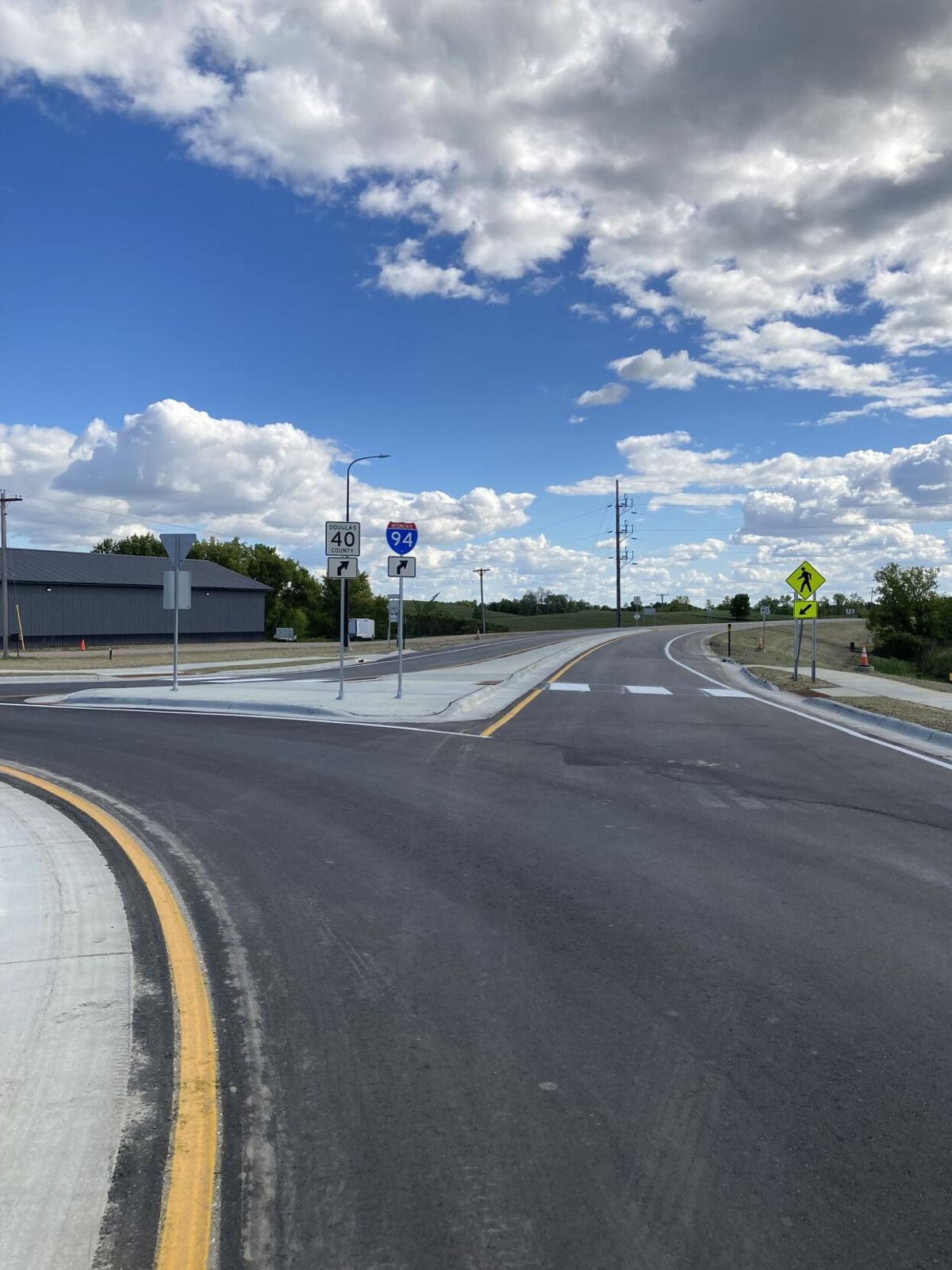 Roundabout complete at county road 40 and 8 intersection