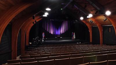 Theatre L'Homme Dieu Stage