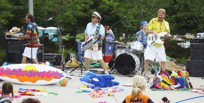 RWAC Presents: Bob & the Beachcombers