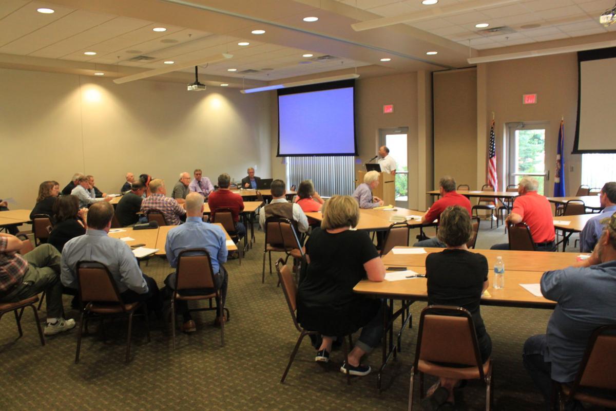 LAR meeting discusses building ideas
