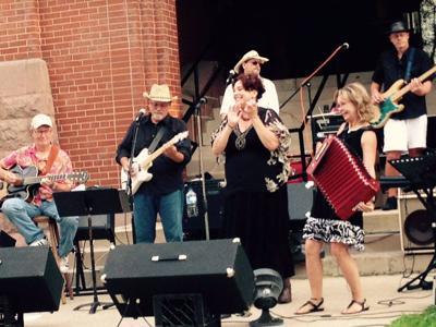 RWAC Presents: Cassie & The Bobs
