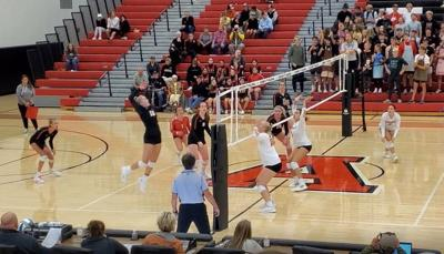 Cards close out Spuds in Volleyball