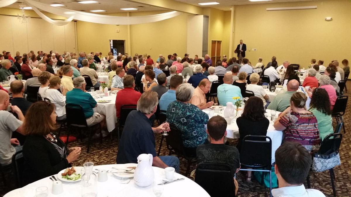 """The Storyteller"" Speaks to the August Unity Foundation Crowd"