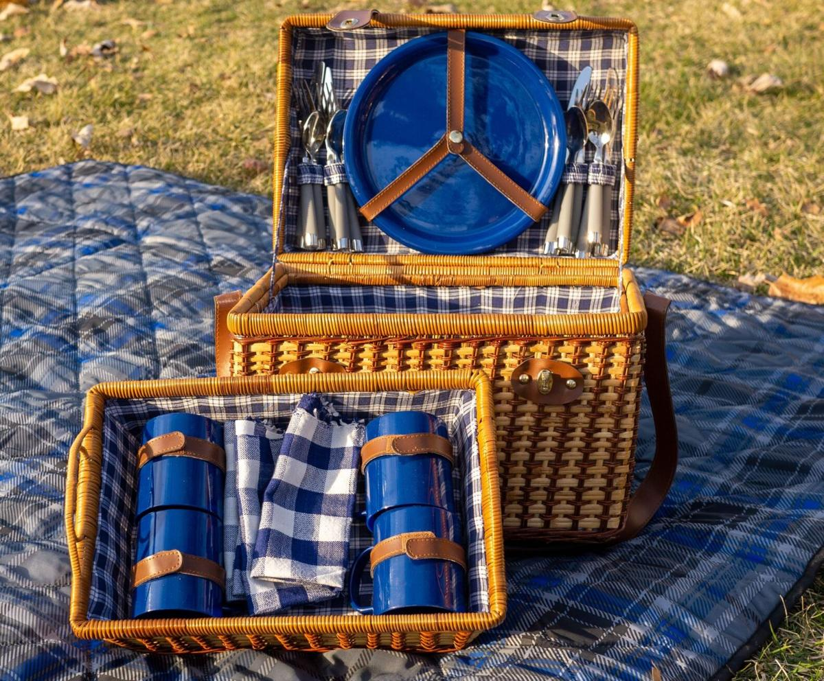Pop-up picnics photo
