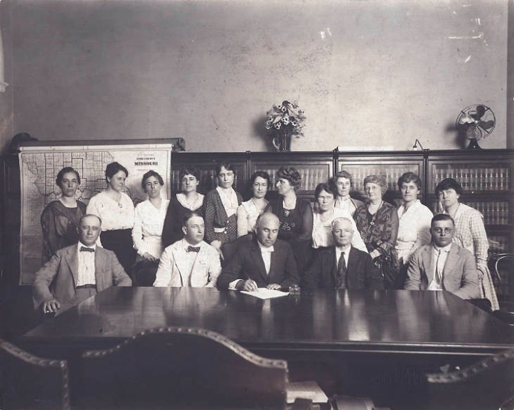 Signing of 19th Amendment