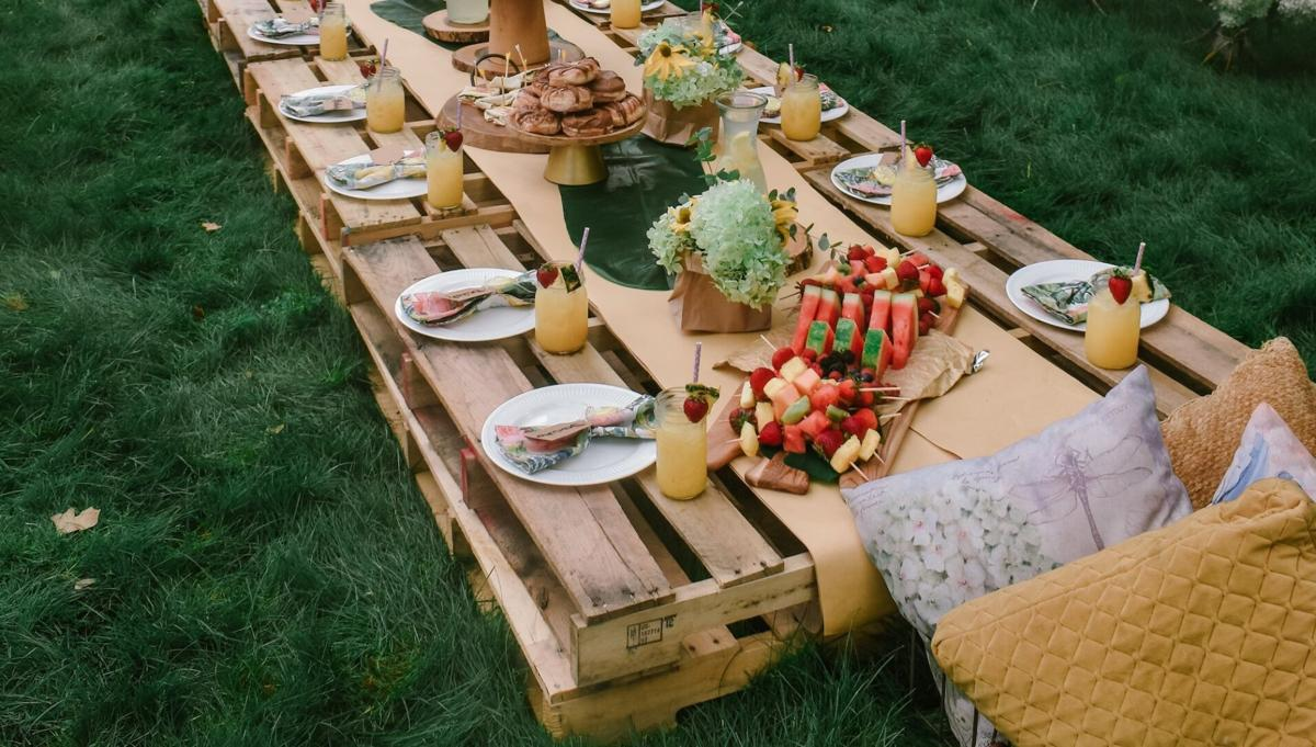 Pop-up picnic featured