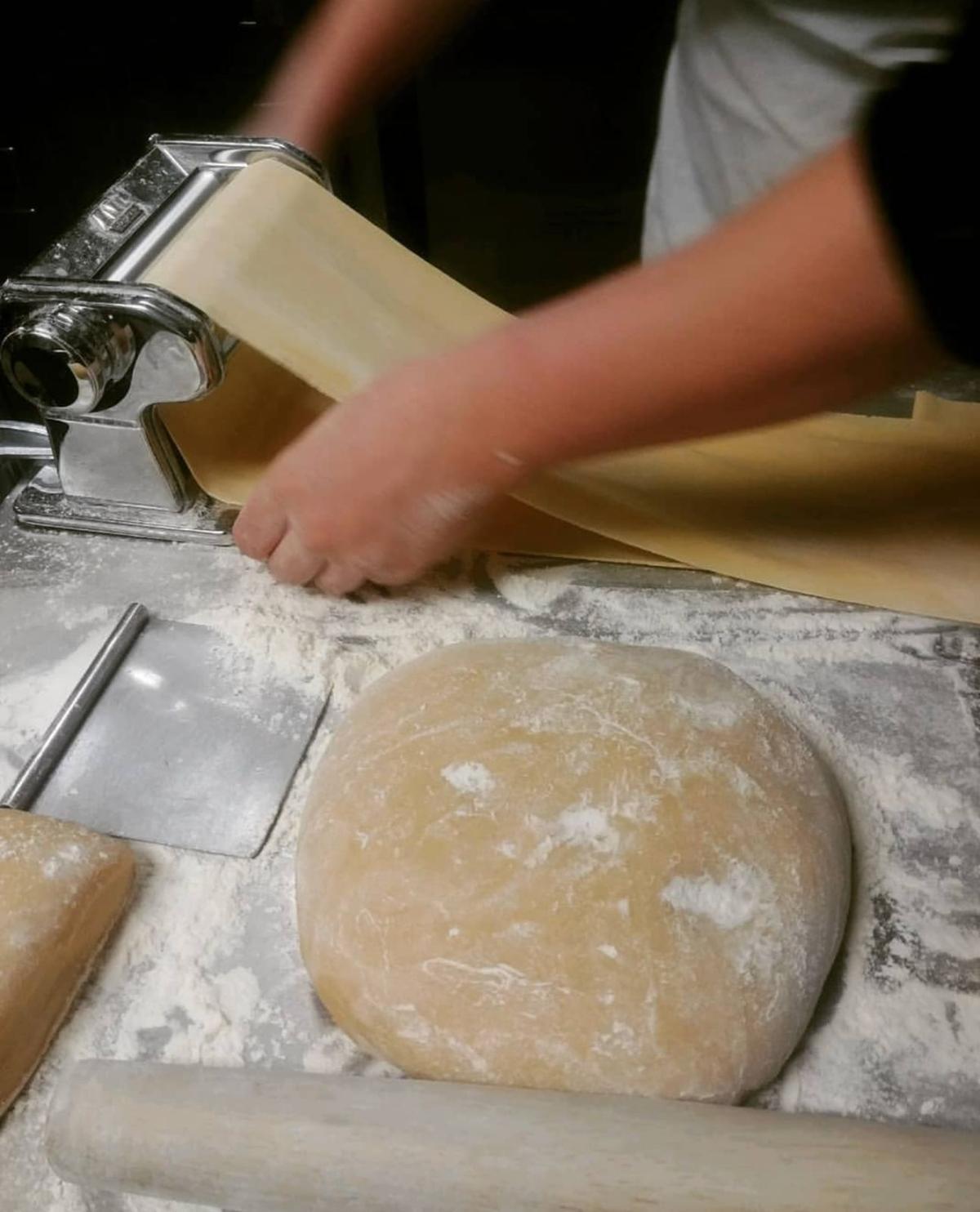 La Fata preparing ravioli