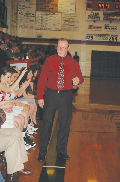 Crawford Top 10 coach with 400 girls' BB wins