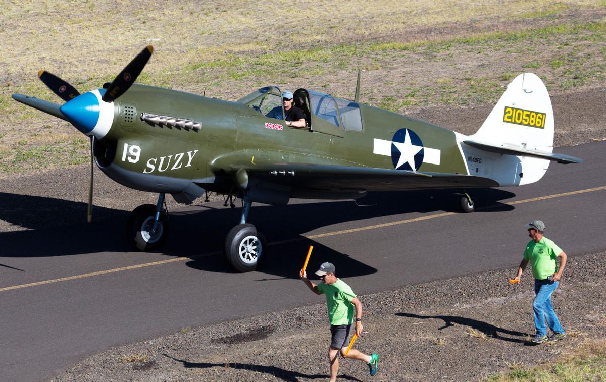 Flyin taxi P-40