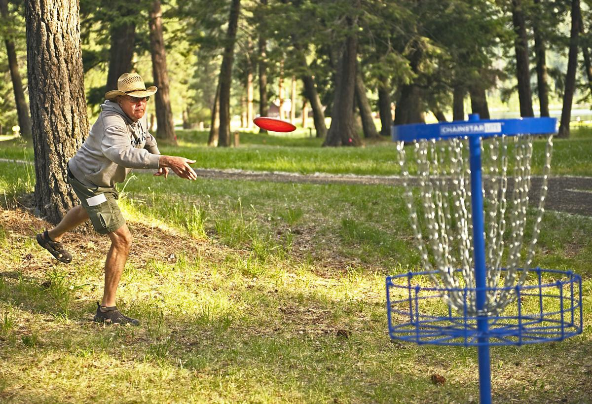 Disc Golf player 1