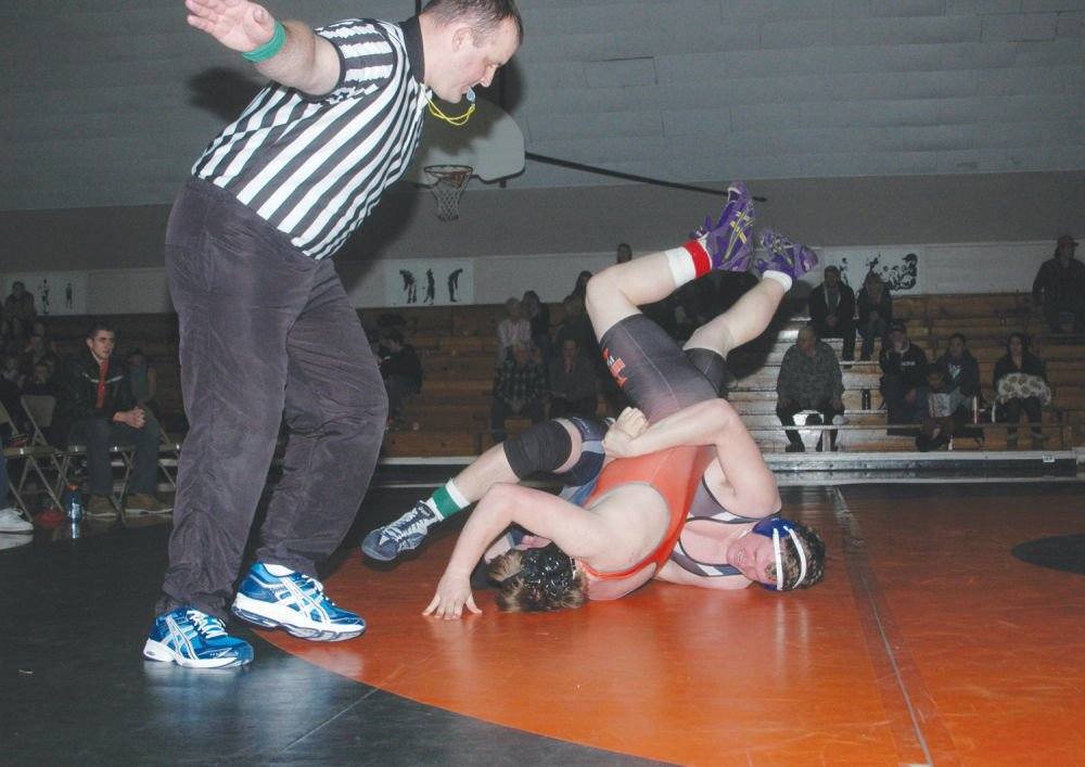 WC wrestlers blitz Union County foes
