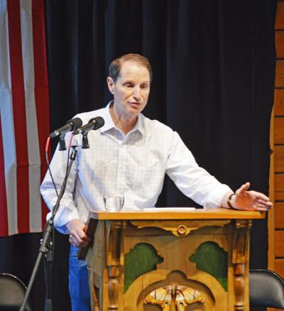 Wyden defends trade bill at town hall