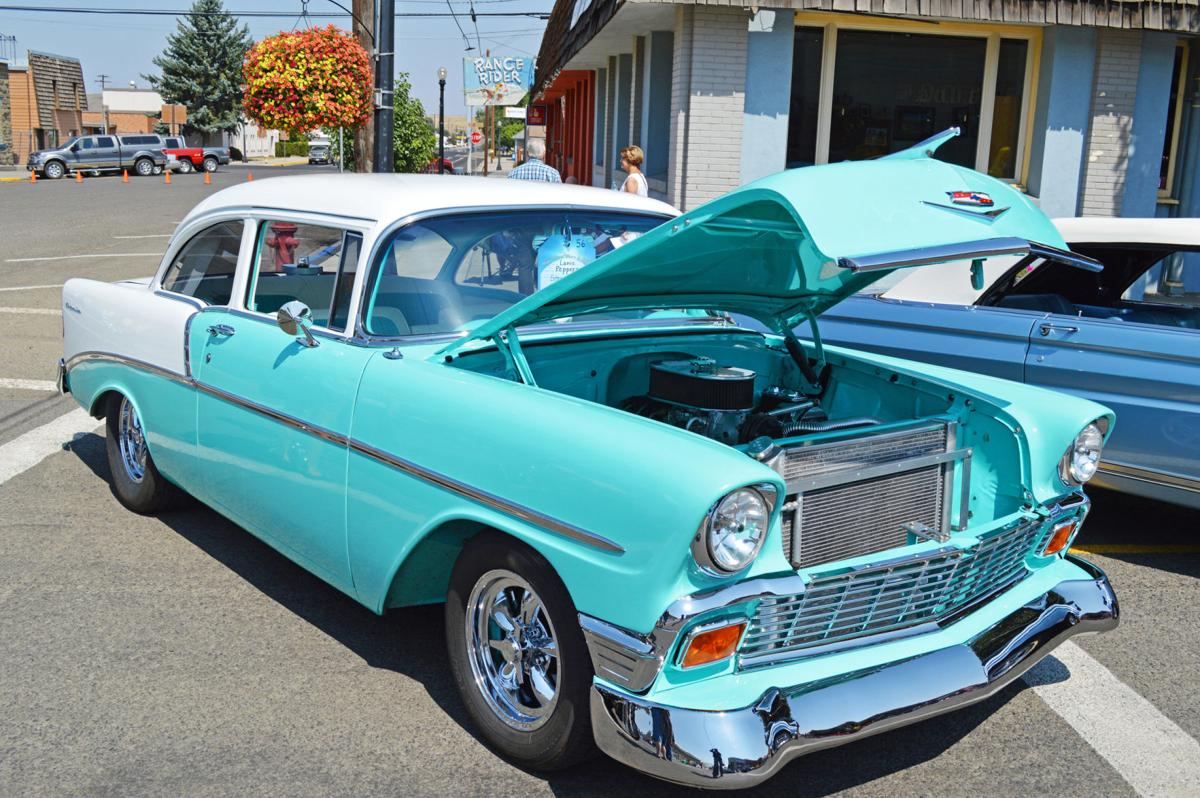 Show & Shine draws autos, smiles