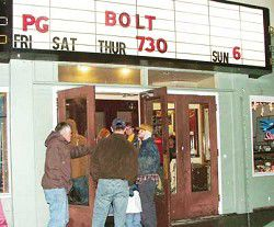 Theater draws crowd for final show