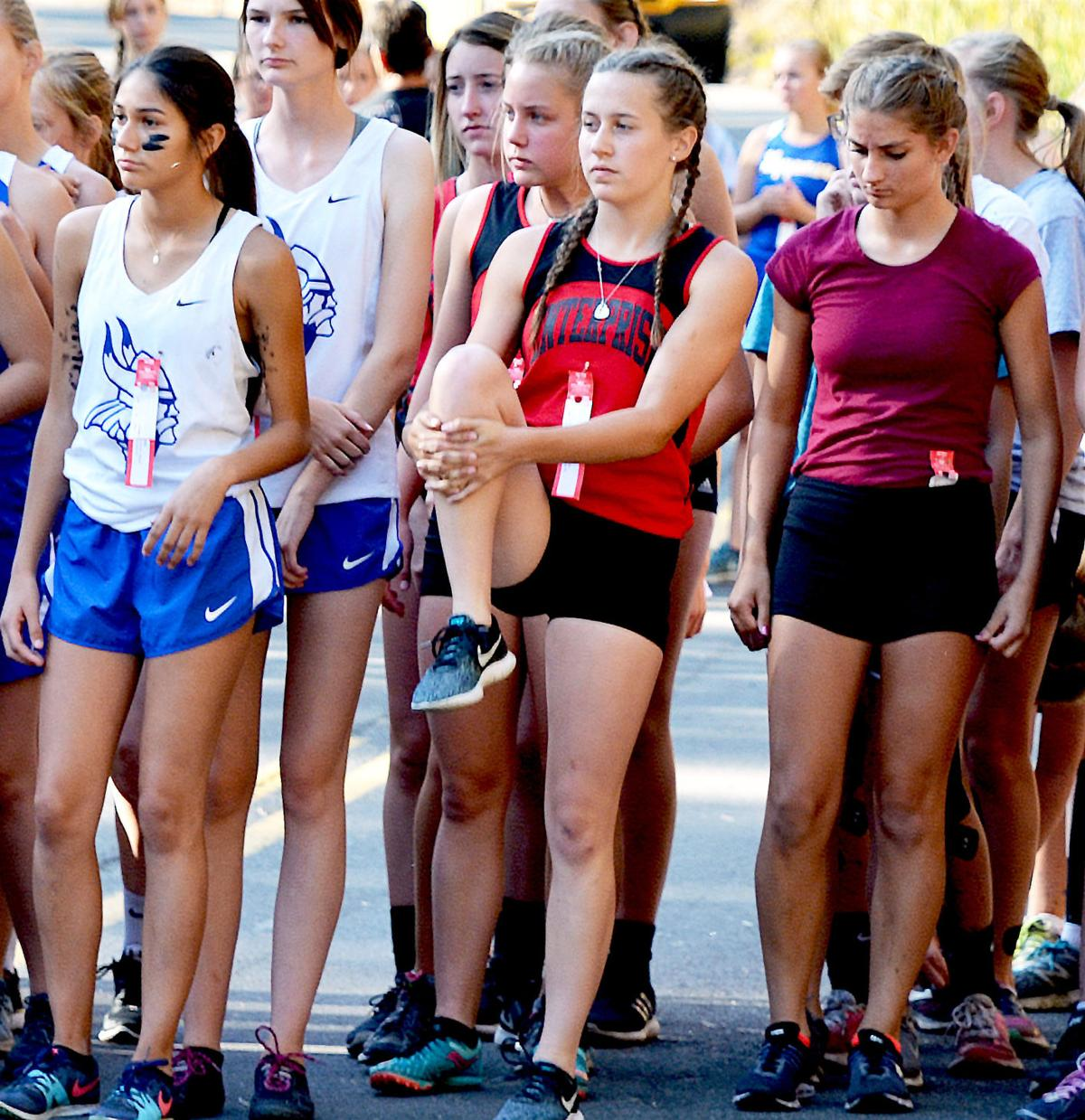 Cross Country teams place high at 'Scamper'