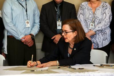 Governor signs broadband bill in Pendleton