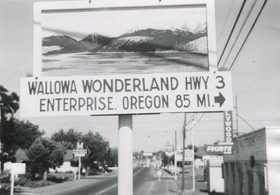 1962 Sign in Clarkston Wash