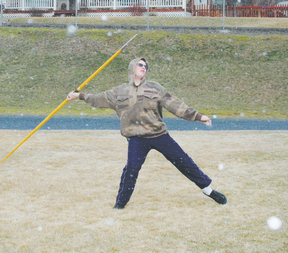 Record numbers, youth distinguish track teams
