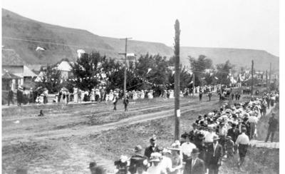 OUT OF THE PAST: City of Wallowa's Fourth of July parade popular in 1912