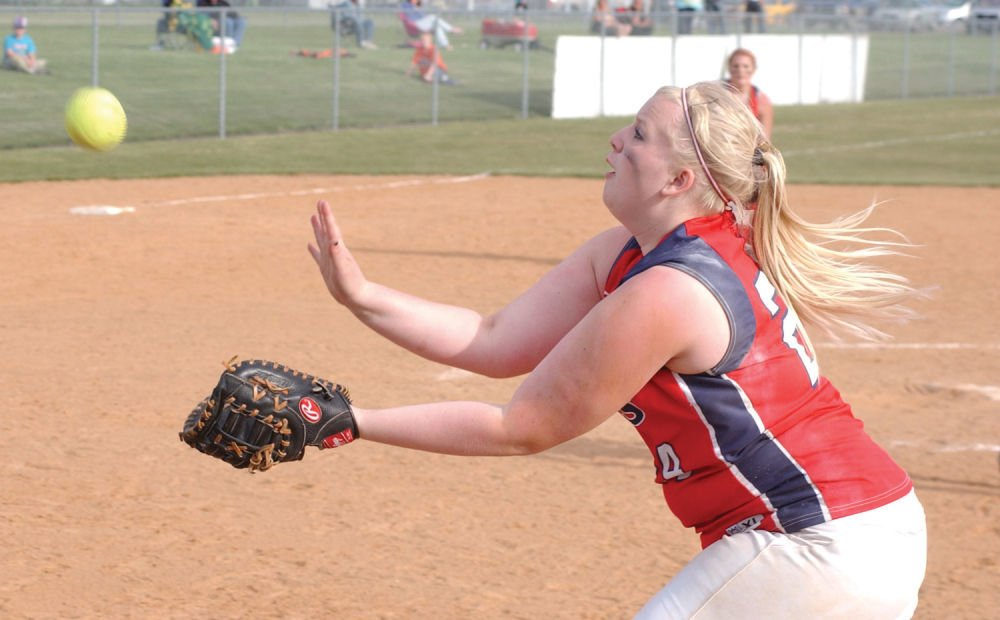 Cubs softball team loses one, wins one at home