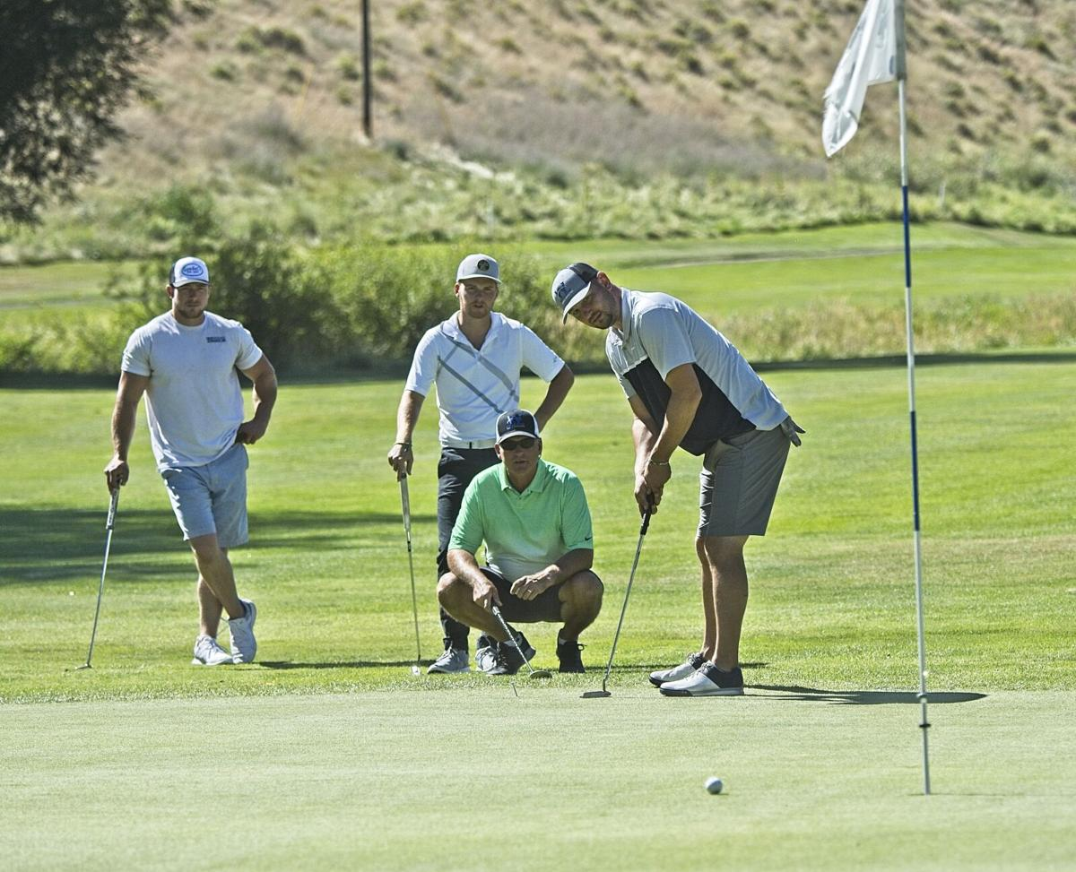 Golf tournament foresome