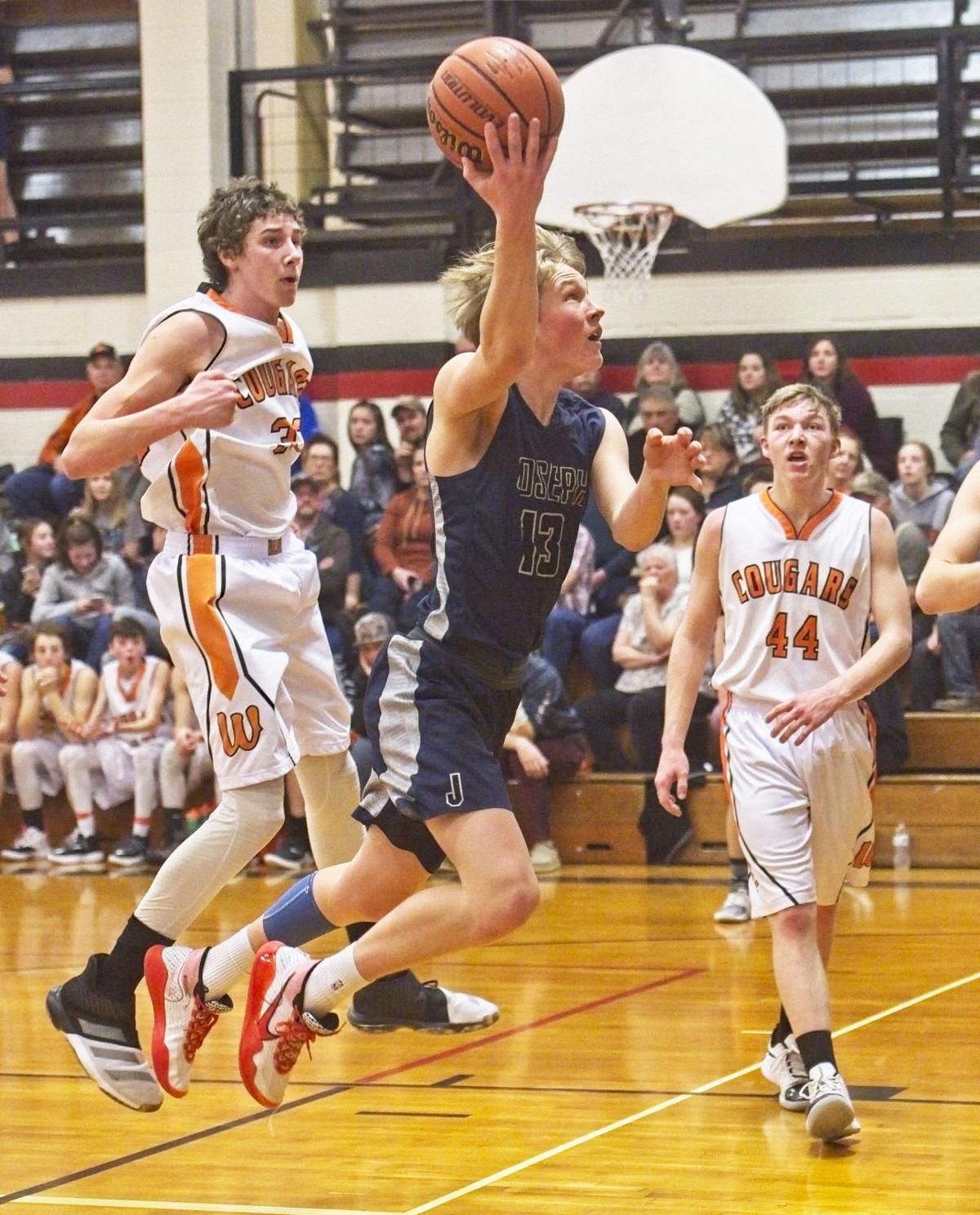 joseph Wallowa B 29 jan  Mason Ferre takes the ball to the basket.jpg