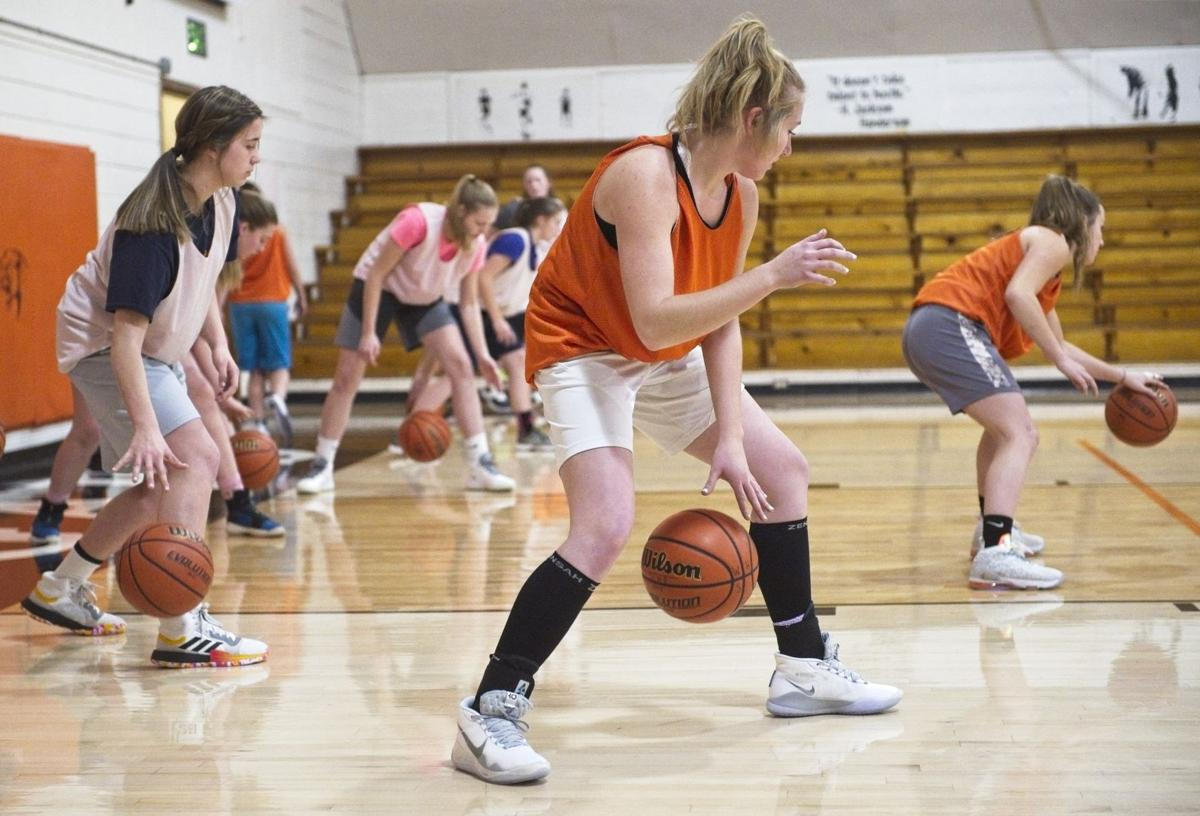 wallowa girls practice 8.jpg