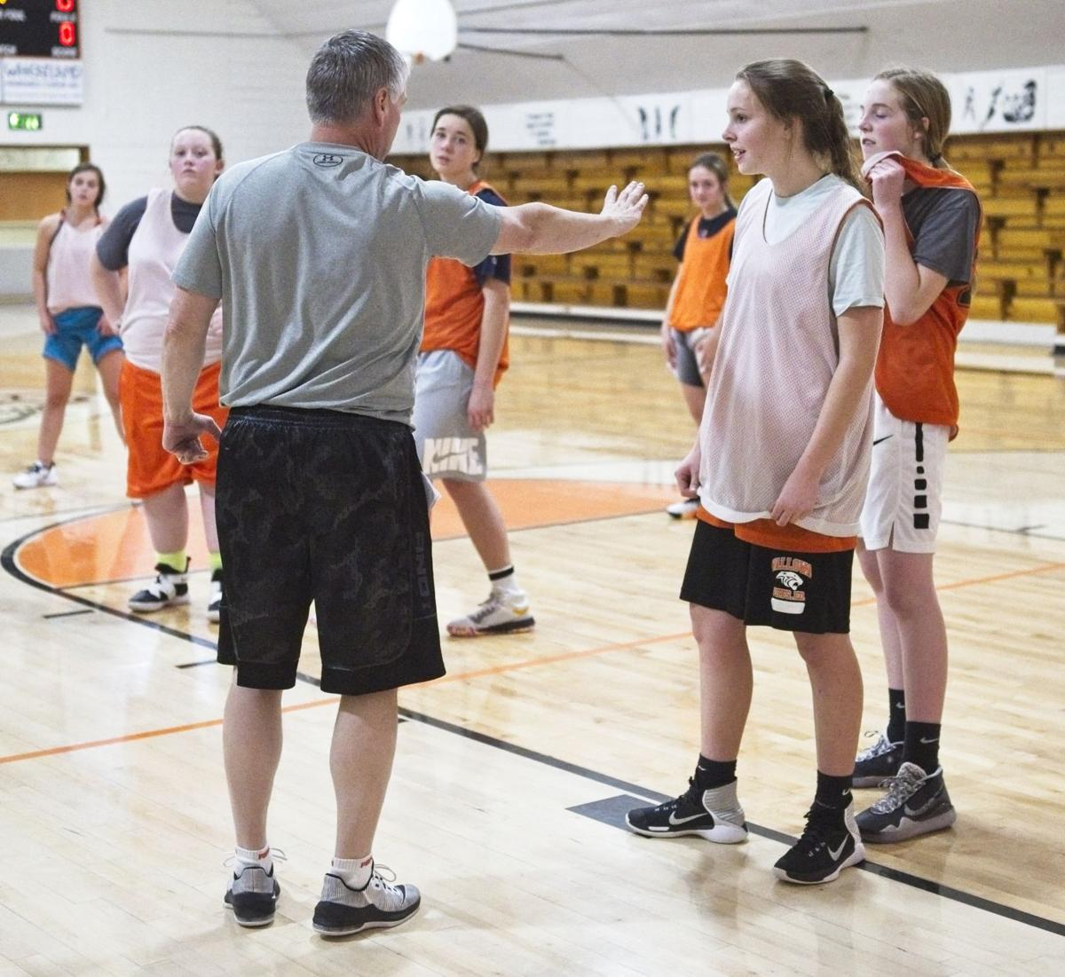 wallowa girls practice 7.jpg