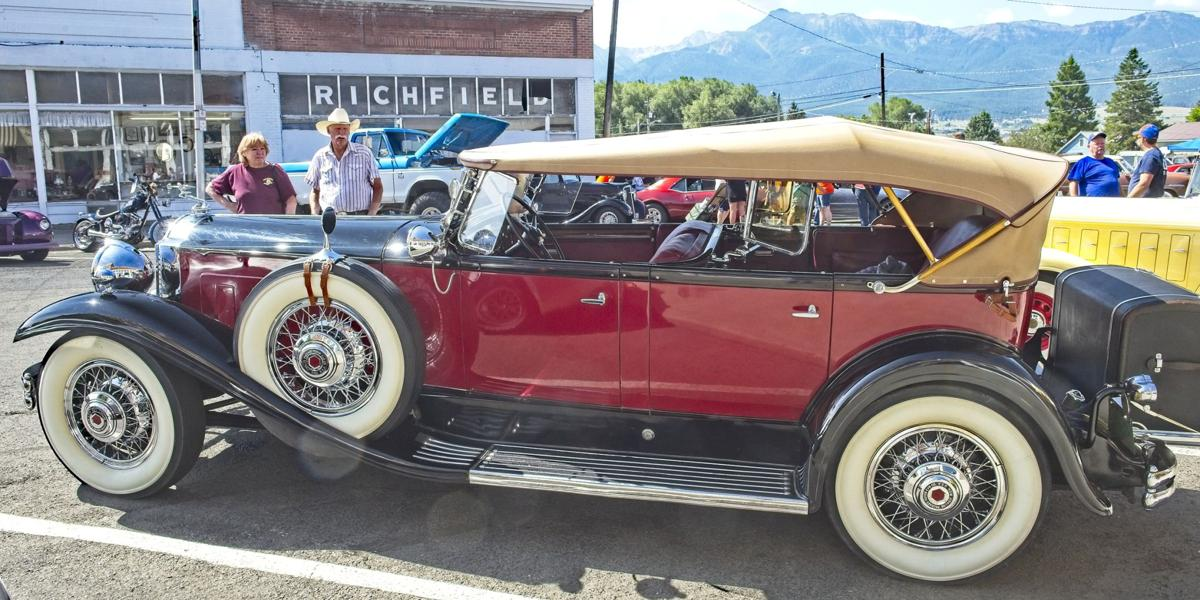 Show and Shine 1931 Packard