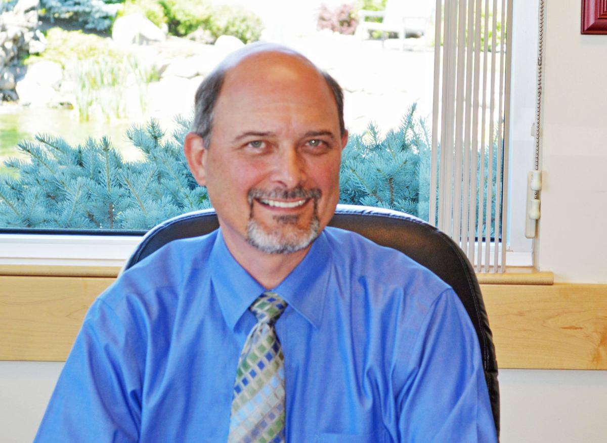 Health care district renews Davy's contract