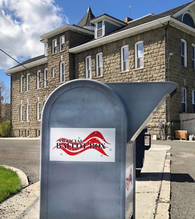 Courthouse balllotbox