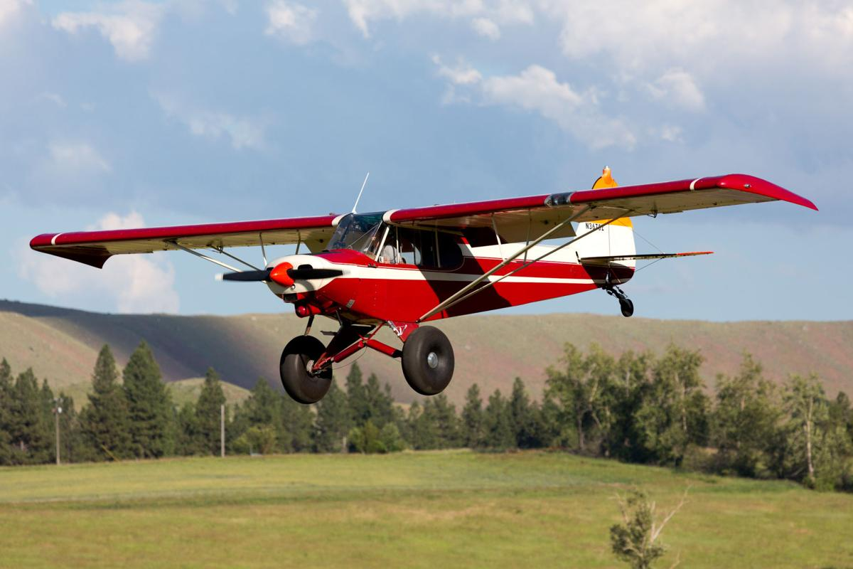 Fly-in STOL plane