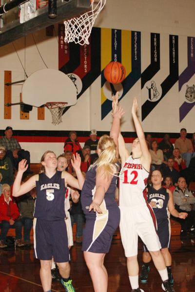 Outlaw girls victorious in home court tournament