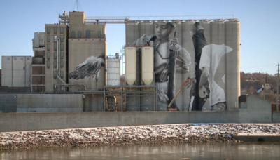 silo mural.JPG