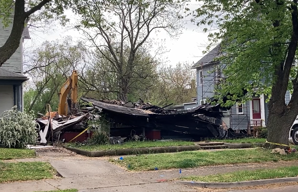 Decatur Main Street fire demolition 1