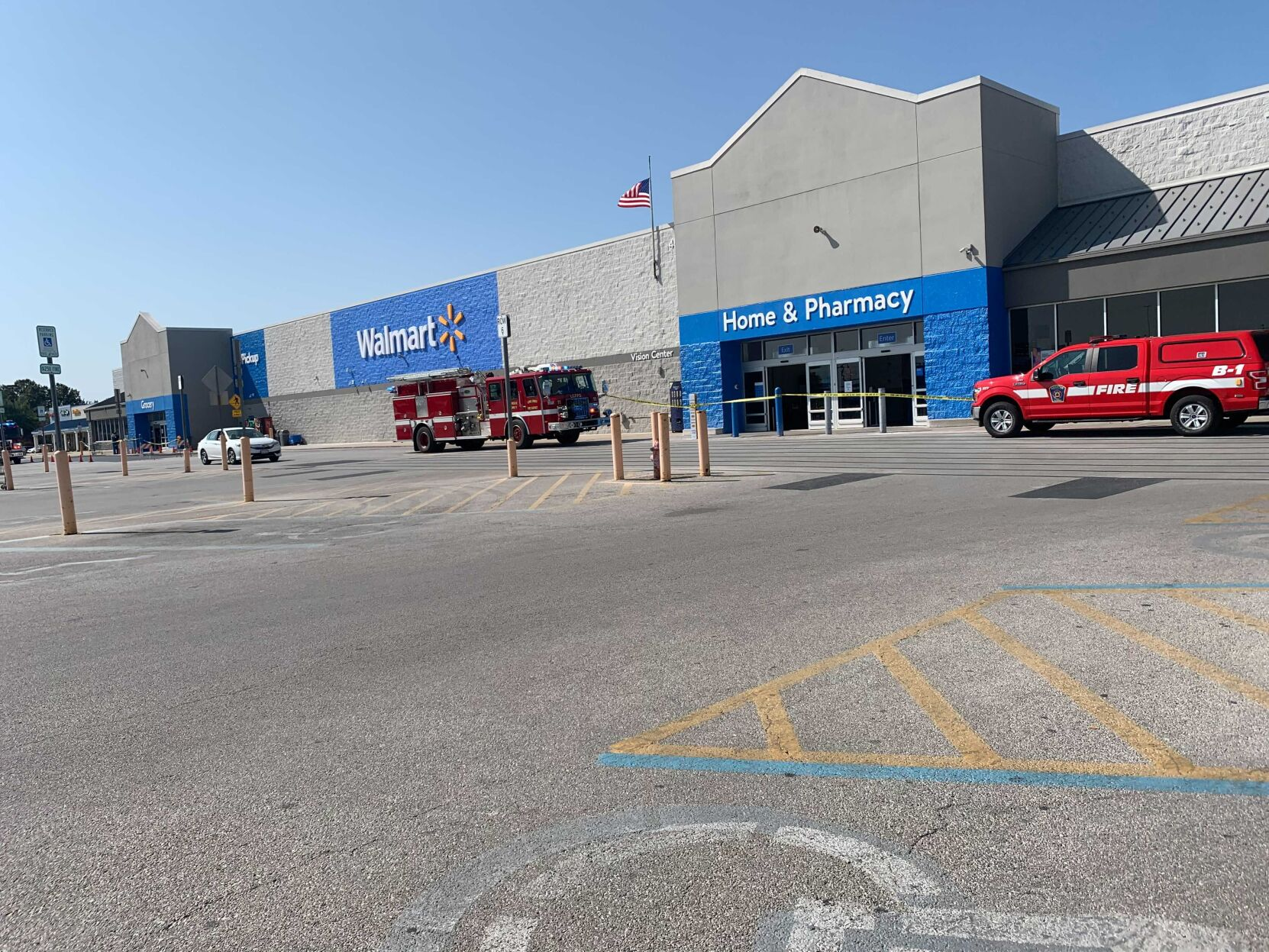 Crews called to possible gas leak at east Decatur Walmart