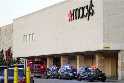 Milwaukee mall shooting.jpg