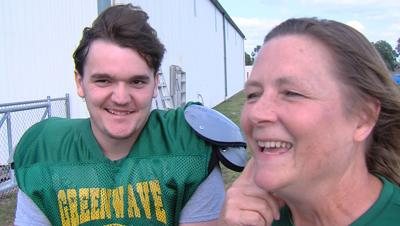 Hero of the Week: Deafness doesn't stop Mattoon senior