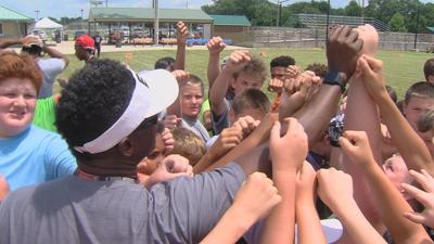 Former Bear Ray McElroy hosts annual youth football camp in Mattoon