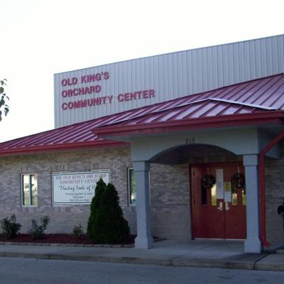 Old King's Orchard Community Center hosts back to school rummage