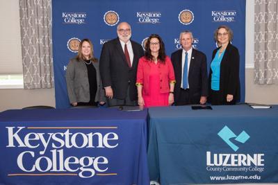 Keystone, LCCC sign dual admission agreement