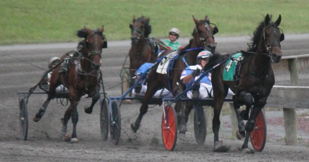Schadel_in_front_race_2