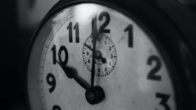 face of analog clock