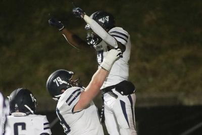 Football: Titans Win PAC Classic at Grove City, Remain Undefeated