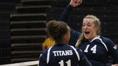 Volleyball: Titans Sweep the Competition to Close out the Bearcat Challenge