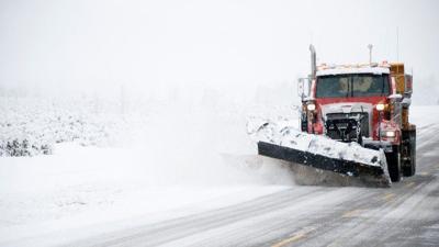 Boston schools closed as snowstorm pummels New England