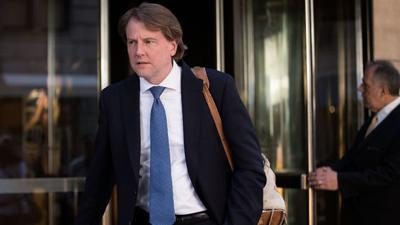 Who is the White House counsel who reportedly threatened to resign?