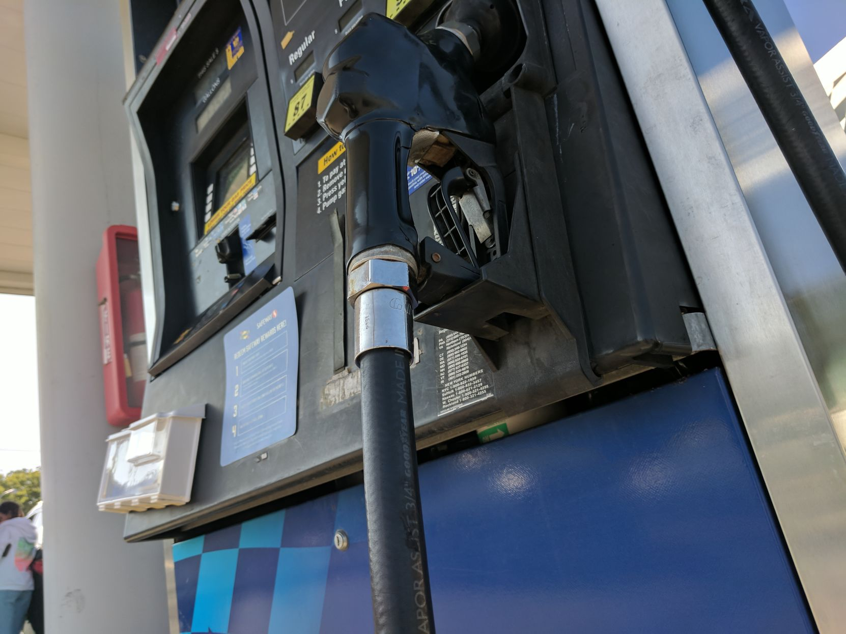 Albany drivers not letting higher gas prices affect Labor Day plans