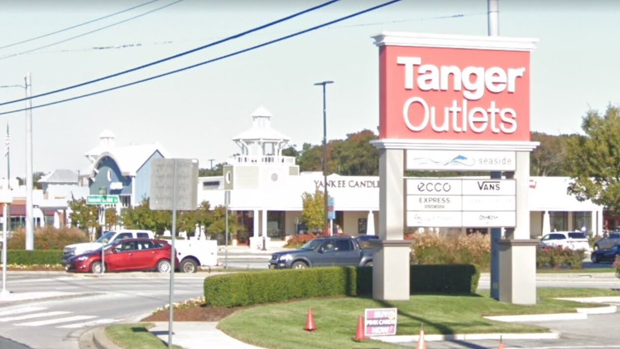 Tanger Outlets to close early Friday